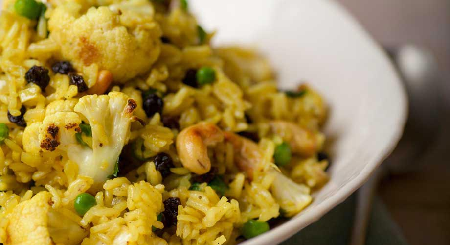 Biryani with Cauliflower, Currants and Peas : Zest Byron Bay